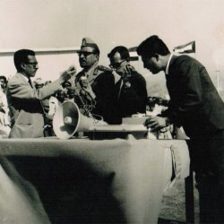 Inauguration ofas choolin Taiz Kuwait devoffice 1964